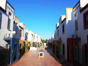 Casa adosada en calle Castillo de Olvera