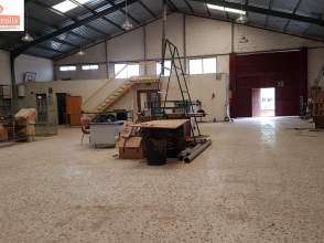 Nave industrial en Poligono Campollano