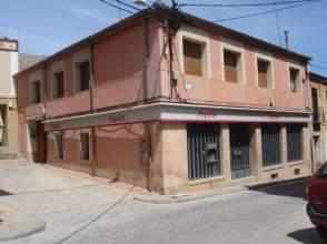 Edificio en Carbonero El Mayor
