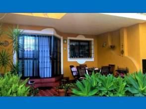Casa adosada en La Carihuela - los Nidos