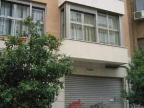 Locales y oficinas en la petxina distrito extramurs for Oficinas la caixa valencia capital