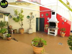 Casa en calle Lucena, nº 10