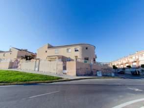 Chalet en calle Logrono -