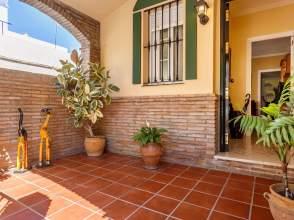 Casa pareada en calle Mairena del Alcor