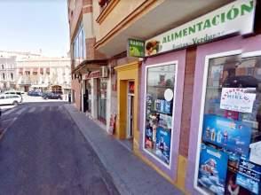 Local comercial en calle Marrón