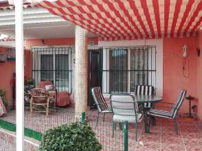 Casa adosada en calle de La Rosa, nº 5