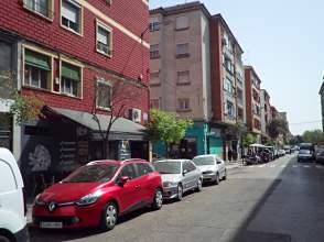 Local comercial en Avenida Batalla de Lepanto