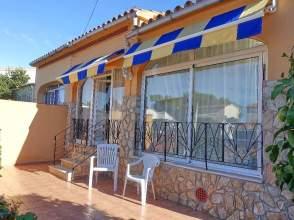 Casa adosada en Avenida calle del Puig