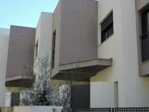 Casa adosada en calle Safor