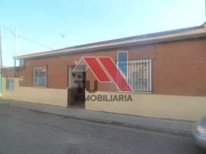 Casa adosada en calle Alfonso XIII, nº 2