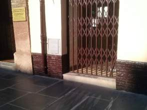 Local comercial en Plaza San Sebastian