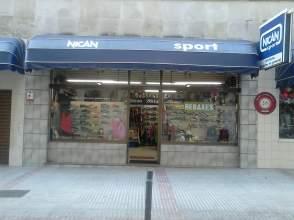 Local comercial en calle Saavedra