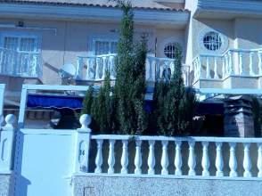 Casa adosada en calle Las Mimosas, nº 15