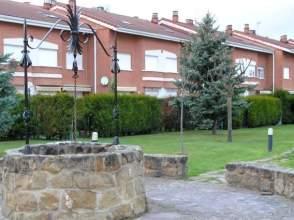 Casa adosada en Urbanización Residencial Aurora, nº 50