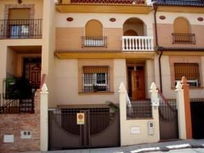 Casa adosada en calle Cádiz, nº 43
