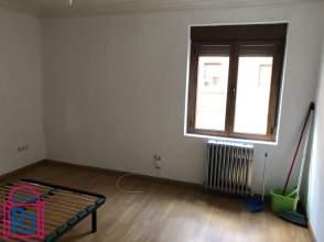 Apartamento en calle Bernardo del Carpio