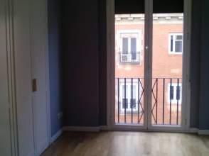 Alquiler de pisos con terraza en cuatro caminos 28020 for Alquiler piso cuatro caminos