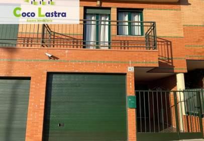 Casa aparellada a calle del Alcalde Juan Bautista de Toledo