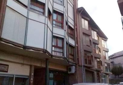Local comercial a calle Mossen Josep Valls