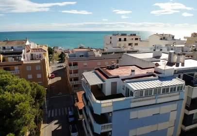 Penthouse in Carrer de Isaac Peral, near Carrer de Peruga
