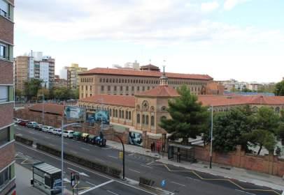 Pis a Avenida del Tenor Fleta, prop de Calle de Wenceslao Fernández Flores