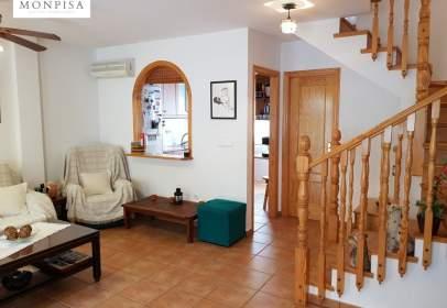 Casa adosada en Dehesa de Campoamor-Aguamarina