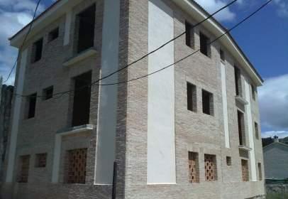 Edificio en calle de la Cruz