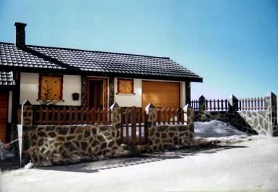 Casa adossada a calle Fuente del Tesoro (Urb. 6 Estrellas), nº 6
