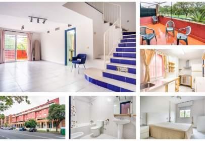 Duplex in Avenida de las Ciencias-Emilio Lemos