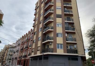 Loft a Carrer del Túria, prop de Calle del Padre Manjón