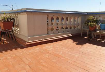 Penthouse in Carrer del Dramaturg Àngel Guimerà, near Carrer de l' Erudit Orellana