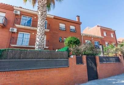 Casa adosada en Carrer de la Pagesia Catalana