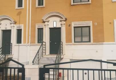 Casa adossada a La Pantoja-Las Viñas