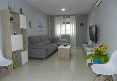 Flat in calle de Gelves, nº 1