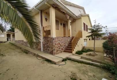 Casa pareada en Urbanización de la Solana, nº 42