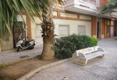 Local comercial en calle Poeta Pelayo, nº 3