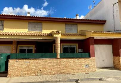 Casa adosada en San Cayetano