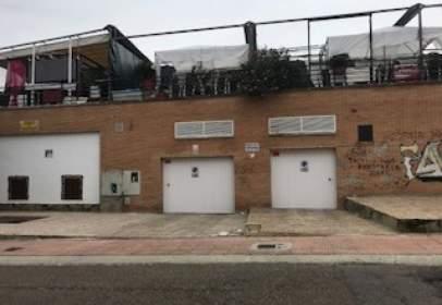 Garatge a Avenida de Elvas-Campus