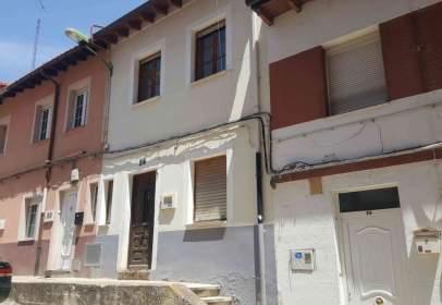Casa adossada a calle de la Camposa, nº 28