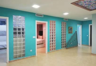 Duplex in Carrer de Rafael Carteta