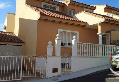 Casa adosada en Escalonilla