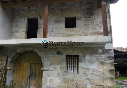 Casa adosada en calle Las Barcenas, nº 42