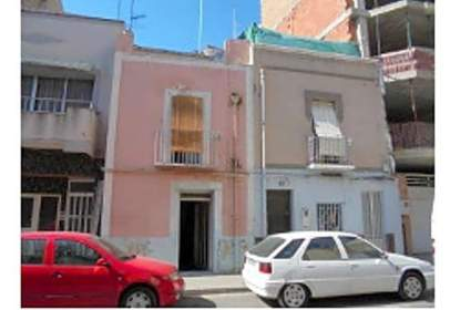 Casa adosada en calle Carrer D''ulldecona