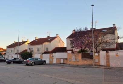 Casa pareada en calle de la Tejera