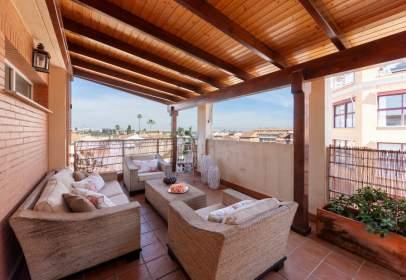 Terraced house in Carrer de la Vieta, 21