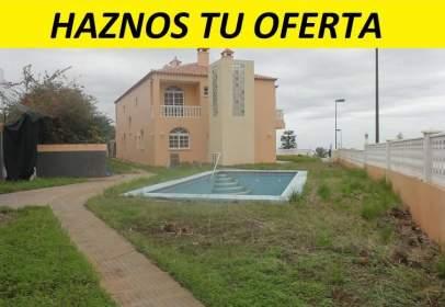 Casa en calle Los Manzanos, nº 1