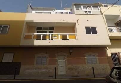 Pis a calle Gran Canaria, nº 102