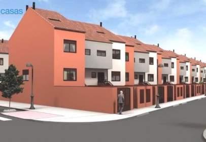 Casa adosada en calle de Alemania