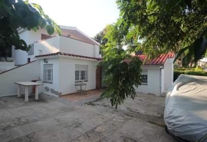 Chalet in calle Cunit  en  Baronia de Mar