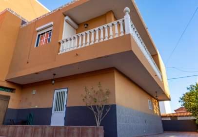 Casa en calle Virgen de Begoña, 5